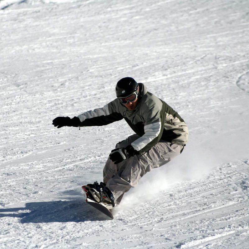 Snowboard Rentals in Arnold, CA